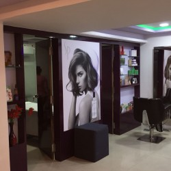 Varad Professional Unisex Salon and Academy_image5